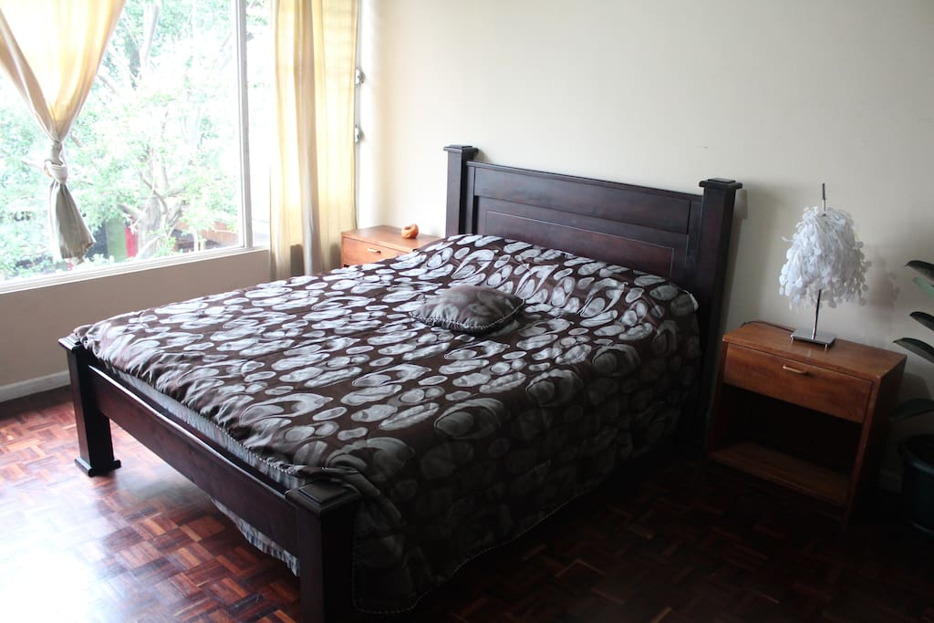 1 King Size Bed