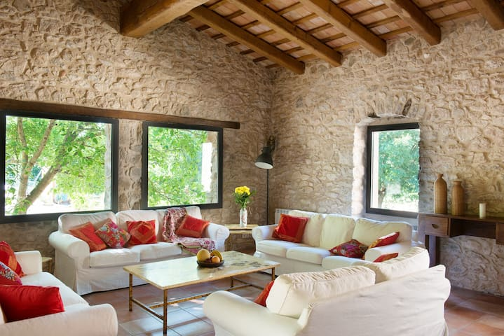 Spacious house in 18th century farmhouse - Province of Girona - Ev