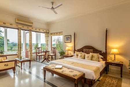 1BR Boutique Castle Room w/ Balcony - 07, Jojawar