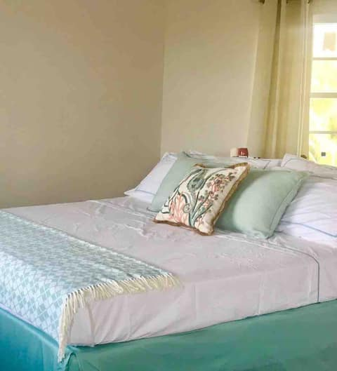 Sunset Cove Resort- New Deluxe King Suite 2
