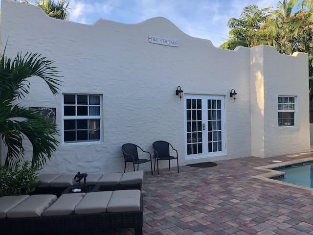Casa di Fortuna: Historic Poolside Guesthouse