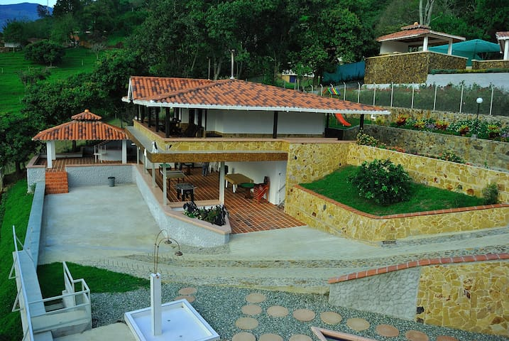 San Miguel Casas de Campo (Country House) - Copacabana - House