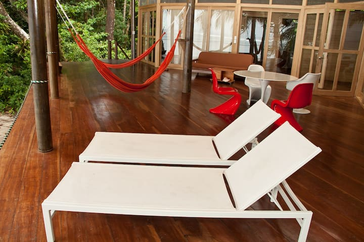 Elegant Solar House on secluded swimming beach - Bocas del Toro Province