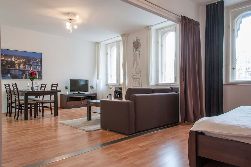 2 bdr apartment old town square houses for rent in for Design apartment in prague 6