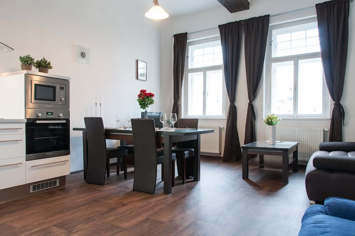 Luxury stay in the Heart of Prague - Praag - Huis