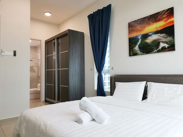 Master Bedroom with 1 x King Bed, Wardrobe & Private Attached Bathroom