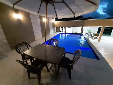 Casa com piscina em Matinhos