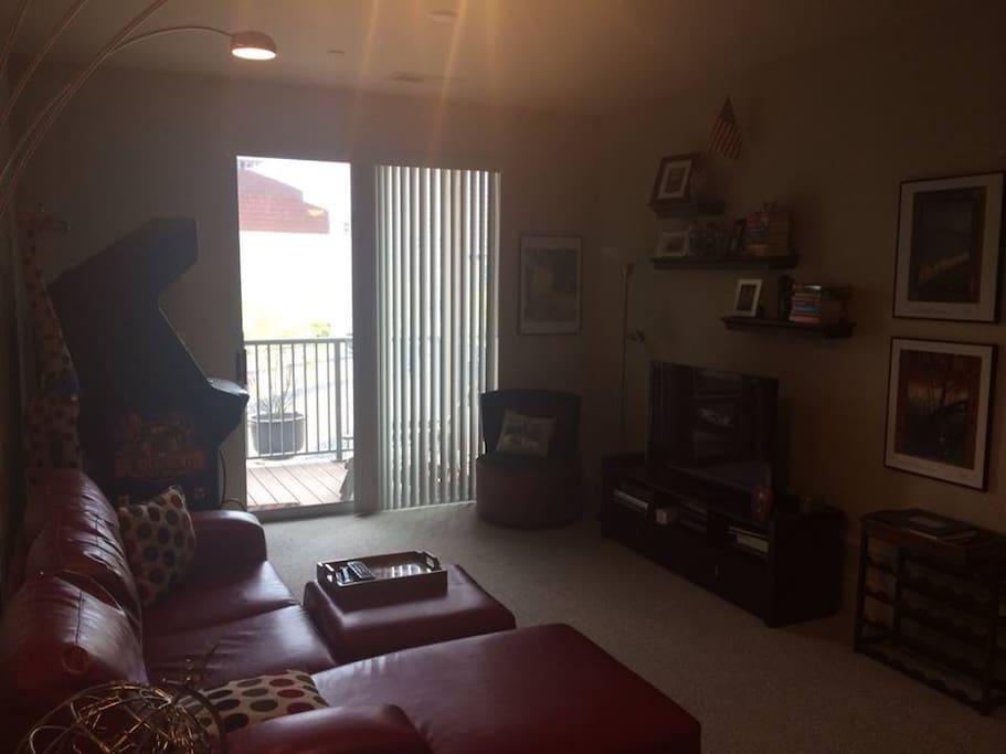 1 Bedroom Apartment Steps From Gabp Apartments For Rent In Cincinnati Ohio United States