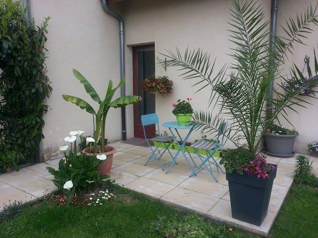 Logement  situé au pied de vulcania - Saint-Ours - Casa