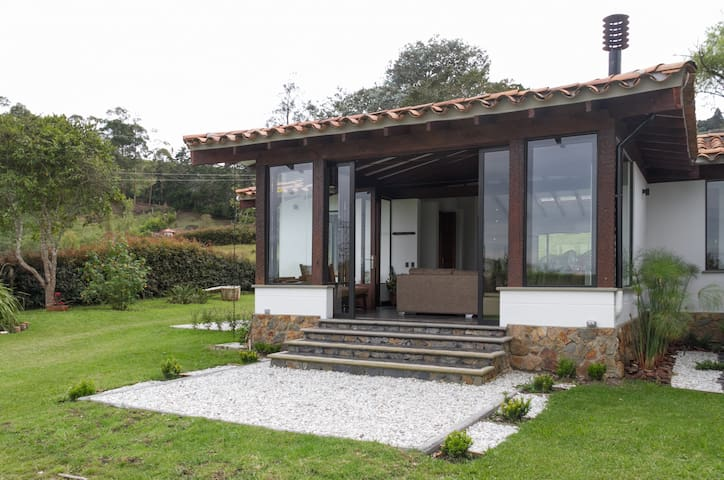 Country house in LLanogrande outskirts of Medellin
