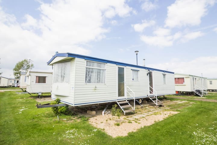 3 Bed, 8 Berth 21030 Holkham area