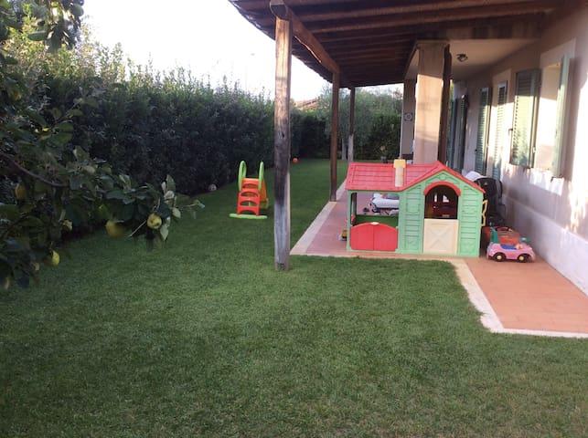 Splendido appartamento con giardino - Capalbio Scalo - อพาร์ทเมนท์