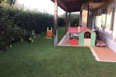 Splendido appartamento con giardino - Capalbio Scalo