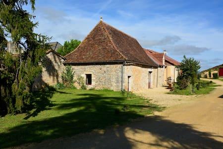 Domaine des Ormeaux Gite Jeanne - Ajat