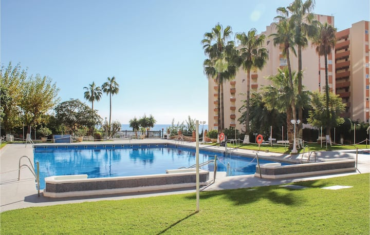 Stunning home in Benalmádena with 2 Bedrooms