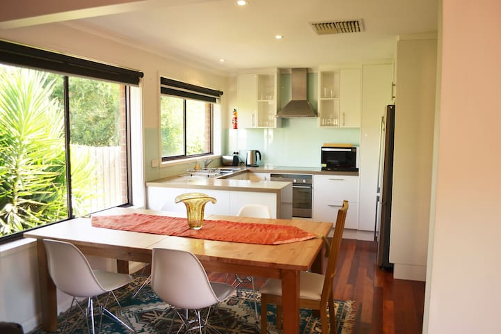 Bright, peaceful and convenient - Yarraville - Ev