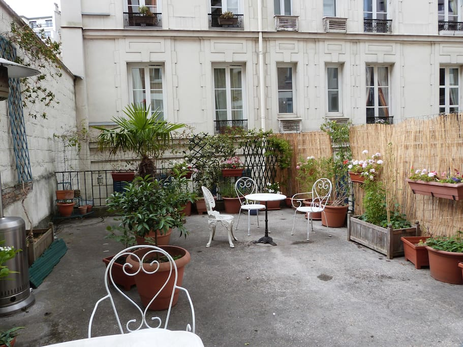 Appartement atypique avec terrasse apartments for rent for Appartement avec terrasse paris