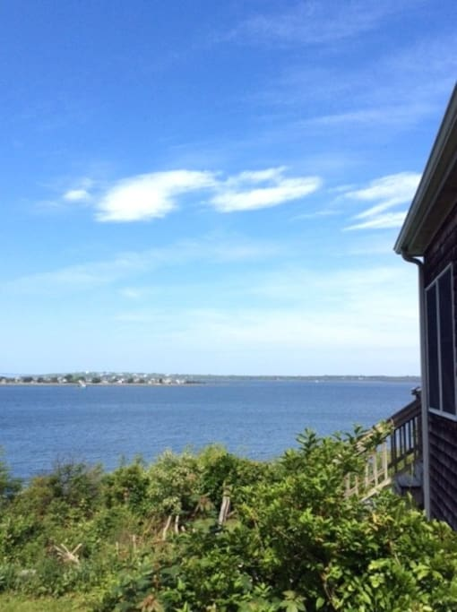 Sunset waterfront tiverton cottage houses for rent in for Rhode island bath house