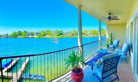 Beautiful Condo w/Spectacular 180° Lakefront View!