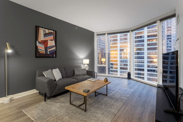 Ideal Steeterville 1BR w/ Rooftop Pool, Pet Spa, nr. L, by Blueground (ID #CHI176)