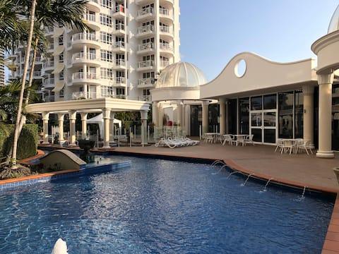 Resort Living in the Heart of Broadbeach!
