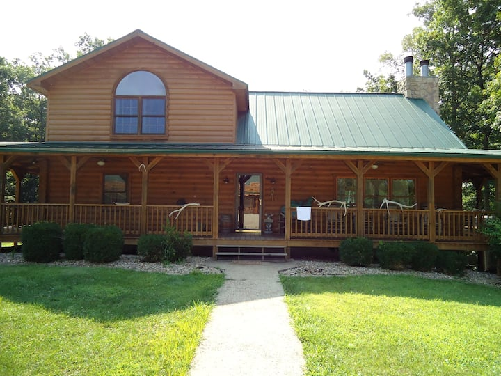 Luxury Log Home- Near French Lick