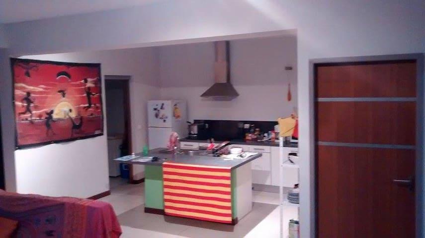 Appartement F3 - Numea - Apartamento