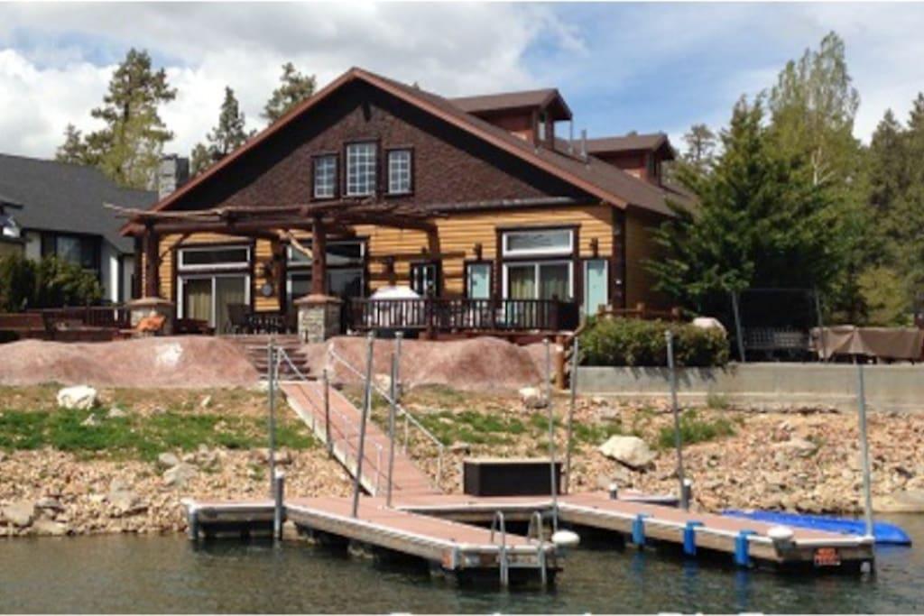 Lakefront chalet on boulder bay cabins for rent in big for Big bear lakefront cabin rentals