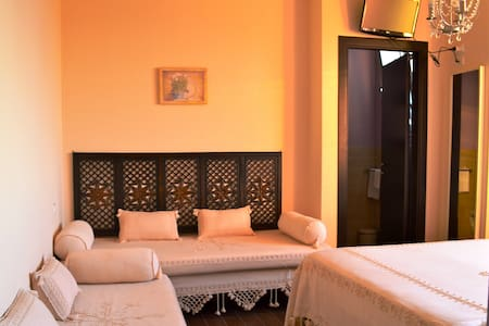 Ristorantino BAHITA e b&b camera 'Vishnu' - Bed & Breakfast