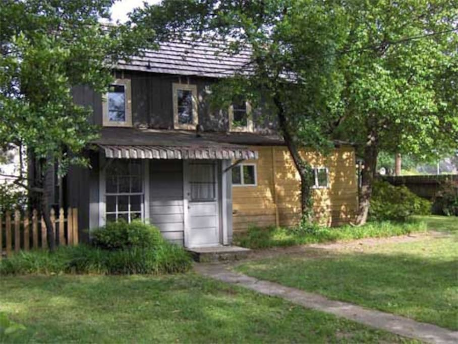 The Fema Guesthouse At Cooper Young Cottages For Rent In