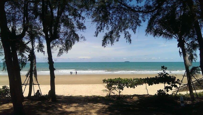 Beach front Condo, Rayong