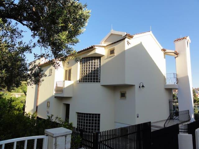 Villa Divna - Žaborić - Haus