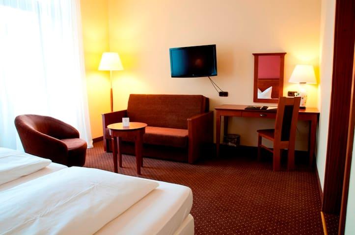 CityHotel Idar-Oberstein - Idar-Oberstein - Bed & Breakfast