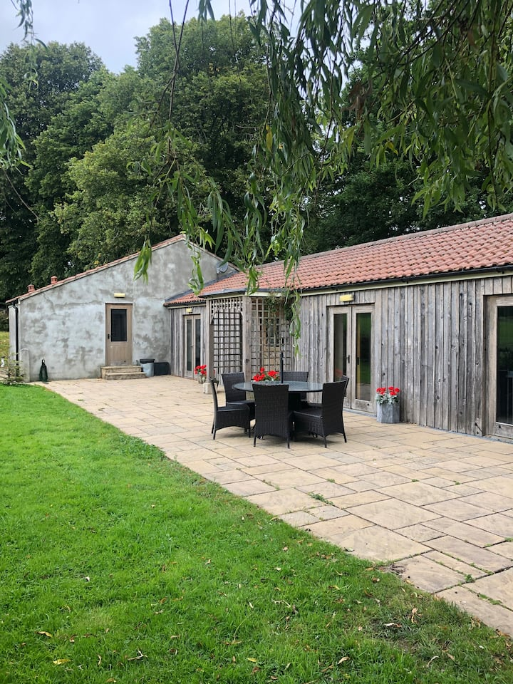 Self Catering Barn Conversion nr Longleat 3 nt