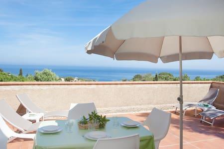 Villa vue panoramique mer, au calme,proche plages. - L'Île-Rousse