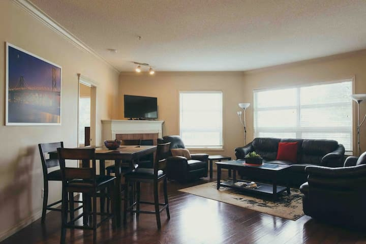Beautiful Downtown Riverfront Condo