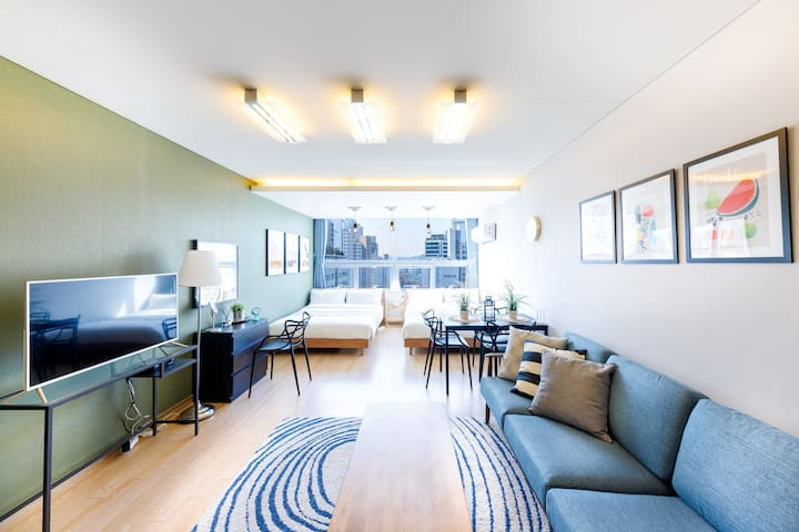 7. Large room for group next to Gangnam Station