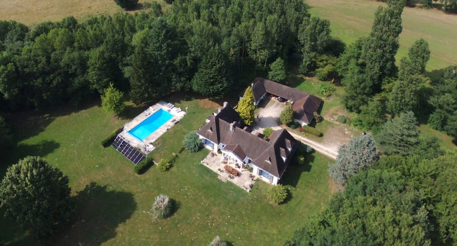 Villa Sancerre with pool