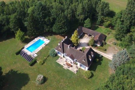 Villa Sancerre with pool