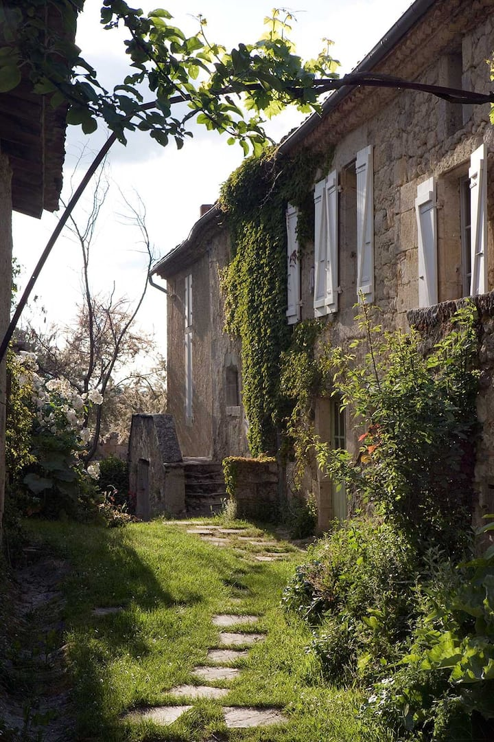 House Laboubaye - Within a Privately Owned Village