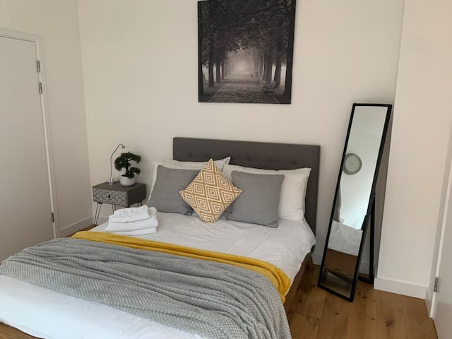 Luxury central London double room with En-suite.