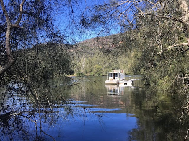 The Houseboat at The Freedom Farm. River Glamping!