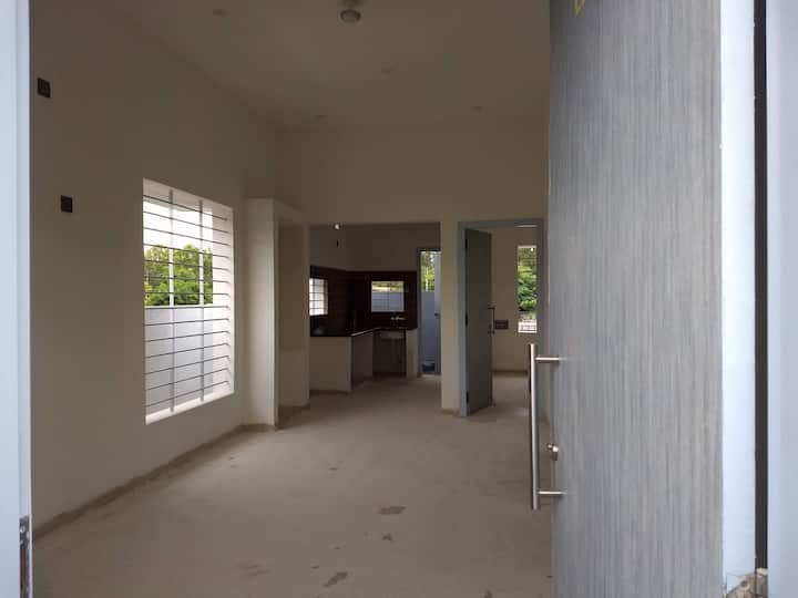 Entire 2 BHK all facility, Internet, 24r HotWater