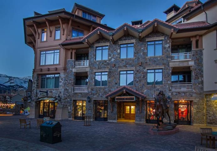 Heritage Crossing - 4BR Condo Platinum #2 - Mountain Village - Condominio