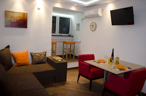 Nikola's apartment-AMAZING CITY VIEW!