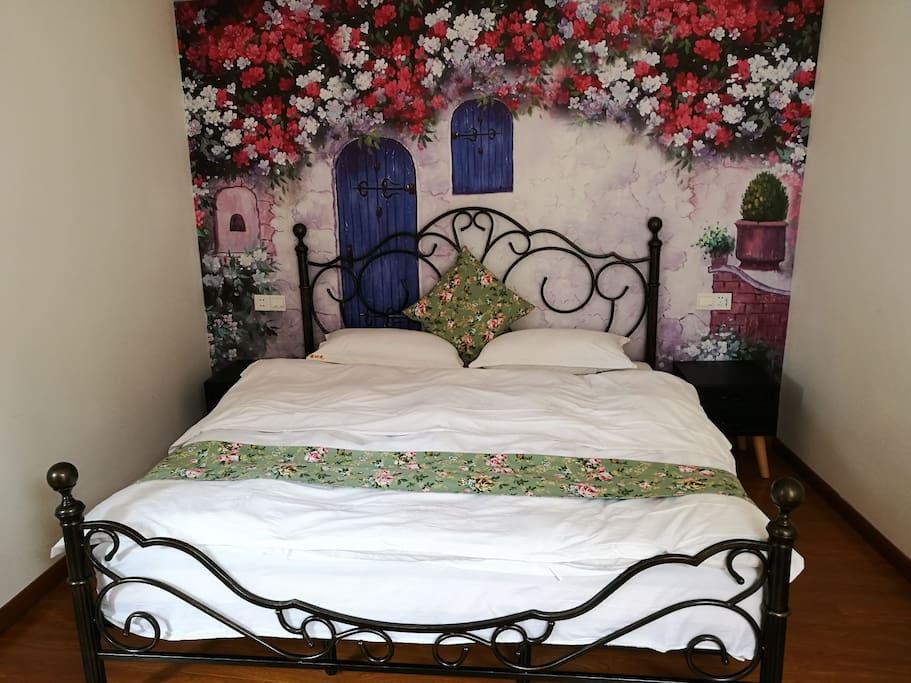简爱美式乡村大床房