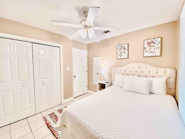 ☕️ Restful Private Guest Room in Upgraded Home