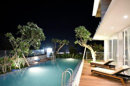 Sadewa Modern Room- Short drive to Pandawa Beach. - Kuta Selatan - Villa