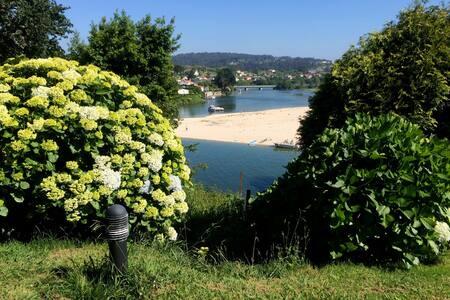 Casa con bajada a la Playa de Miño. Coruña