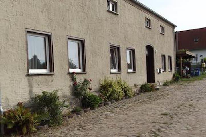 Ferienwohnung II oben links bis 4 Personen in Siedenbrünzow